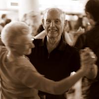 Oui : nous vivons plus vieux, mais en moins bonne santé..