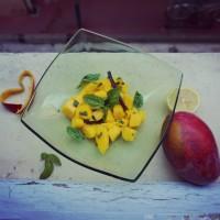 Salade de mangue et basilic citronnée